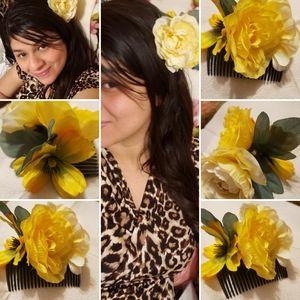Yellow Flower Haircomb!